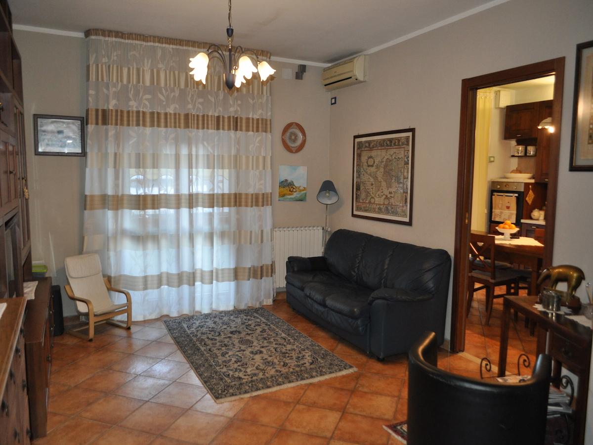 Foto 1 di Appartamento Via Monte Emilius, Quart